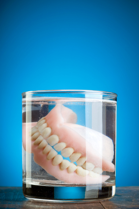 How to Manage Dry Dentures